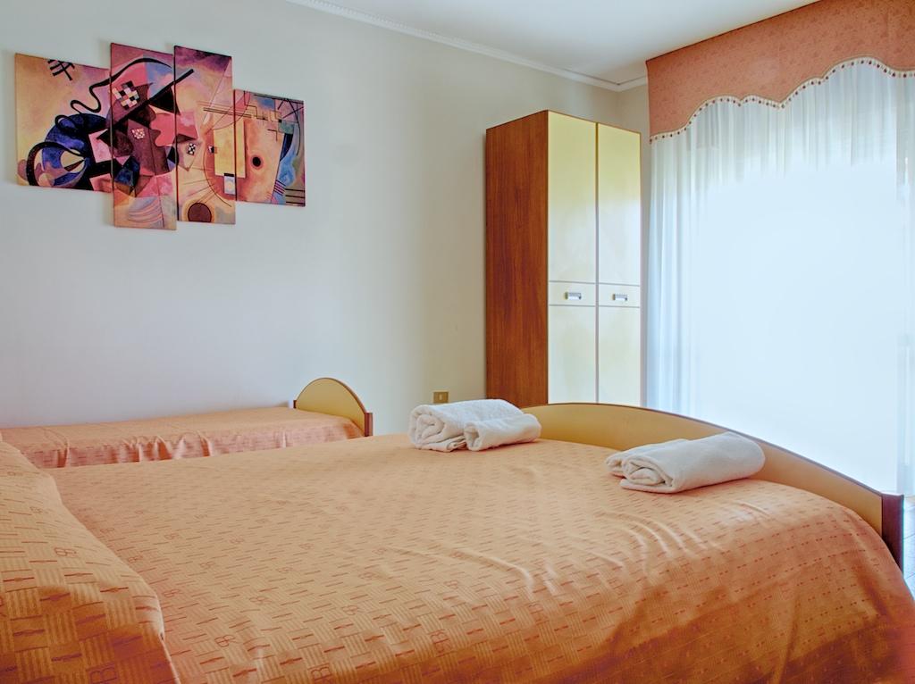 Camera Da Letto Verde Mela: Un bel lavanda per la camera da letto ...